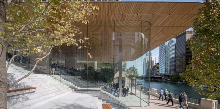 Apple Michigan Avenue reconnects Chicago to its river