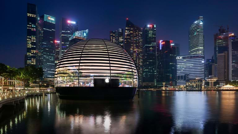 Apple Marina Bay Sands – a new gemstone on the Singapore waterfront and a cele